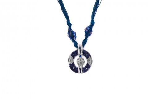 Blauer Kreis mit blauem Band