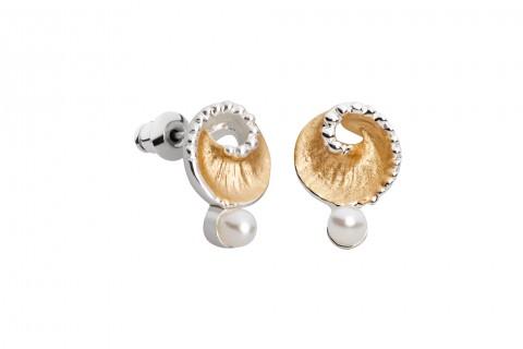 Muschelform in Gold mit Perle