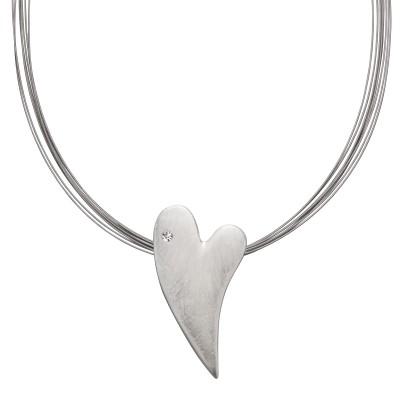 Silbernes Herz mit Scratch und Stein