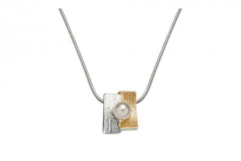 Perle auf Silber und Gold