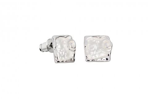 Silbernes Quadrat mit kleiner Schnecke