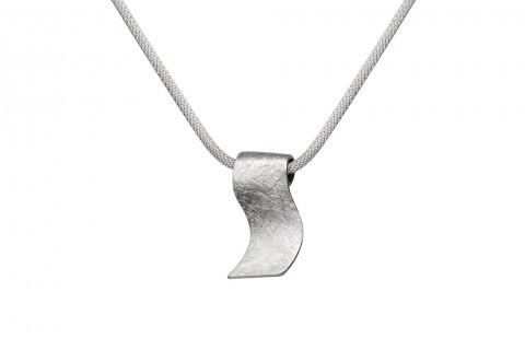 Silberanhänger gebogen