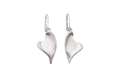 Geschwungene Herzen in Silber