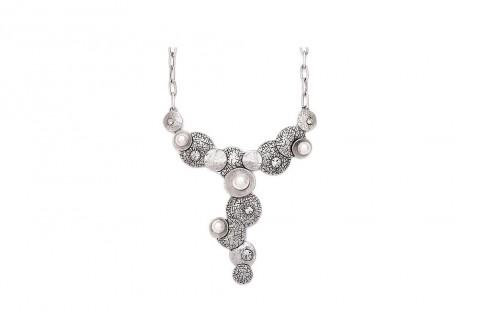 Runde Harmonie in Silber